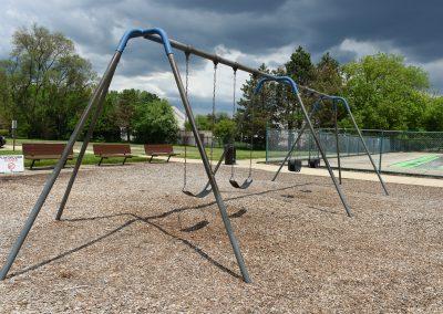 OakwoodPark_Swings