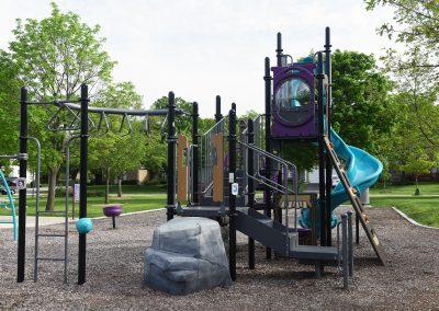 SurreyWoods_Playground4